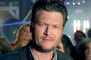Blake Shelton ft. Pistol Annies & Friends - Boys 'Round Here