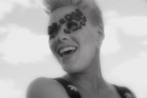 P!nk - Blow Me (One Last Kiss)