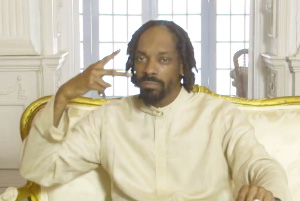 Snoop Lion ft. Major Lazer & Angela Hunte - Here Comes The King