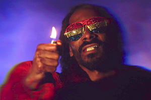 Snoop Lion ft. Popcaan & Mavado - Lighters Up [Explicit]