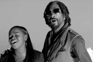 Snoop Lion ft. Drake & Cori B - No Guns Allowed