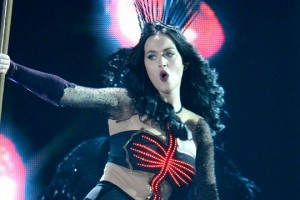 Katy Perry ft. Juicy J - Dark Horse [Grammy Awards]