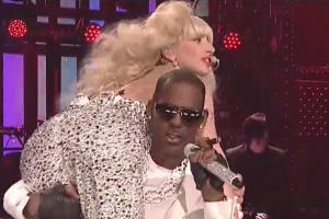 Lady Gaga ft. R. Kelly - Do What U Want [Saturday Night Live]