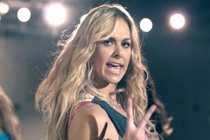 Laura Bell Bundy ft. Colt Ford - Two Step