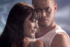 Ginny Blackmore & Stan Walker - Holding You (video+lyrics)