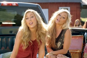 Maddie & Tae - Girl In A Country Song
